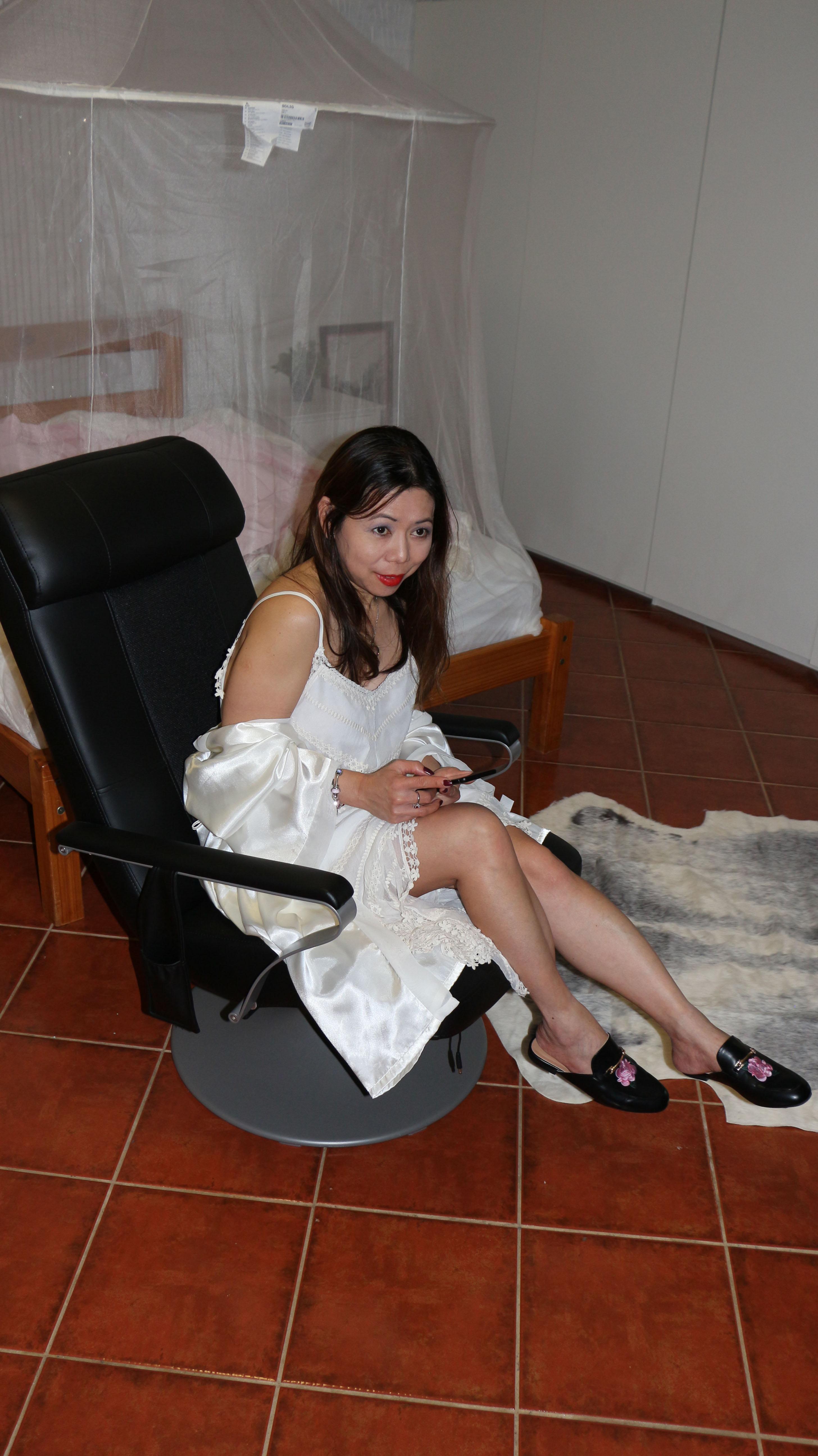 long lace dress blog