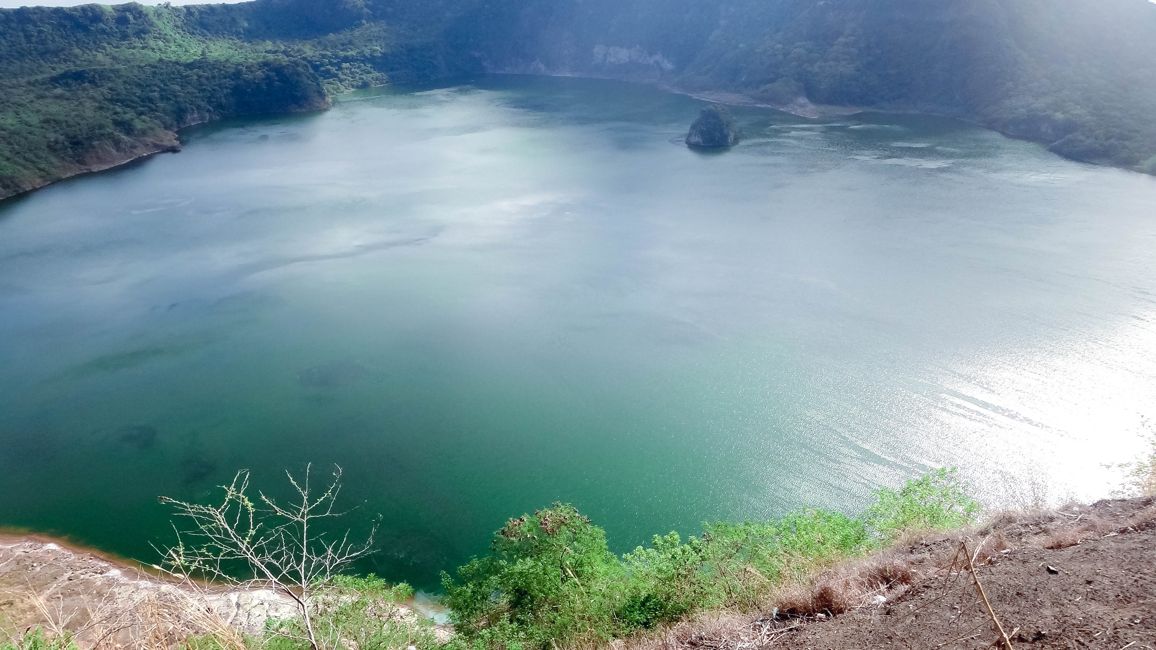 Tagaytay volcano crater
