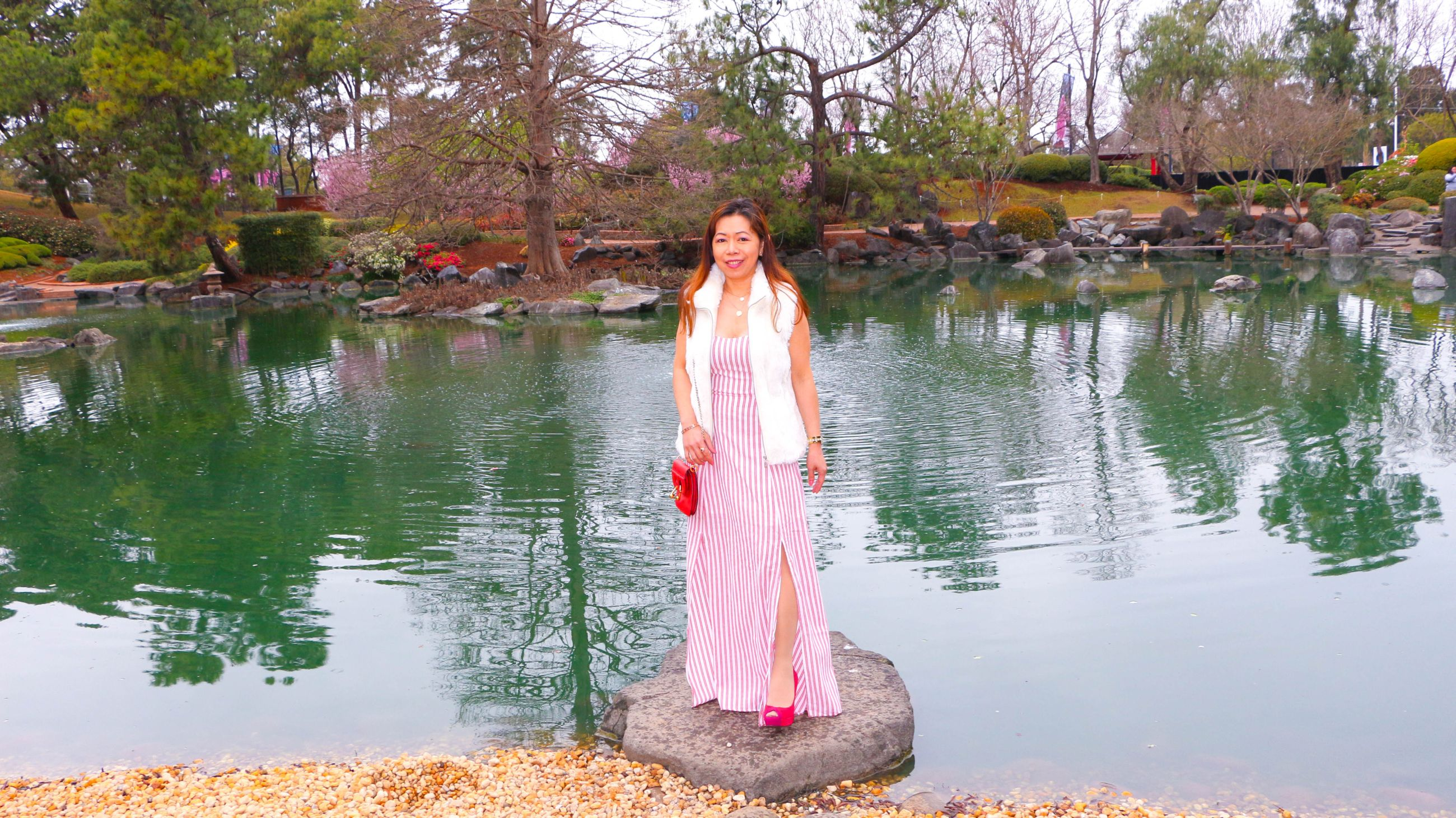 How to wear pink maxi dress in cold weather