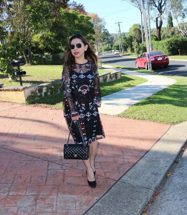 How to wear a swing dress